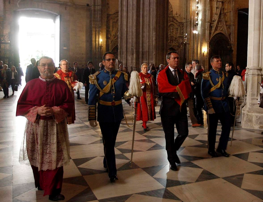 Resultado de imagen de Alcalde y san fernando en Sevilla